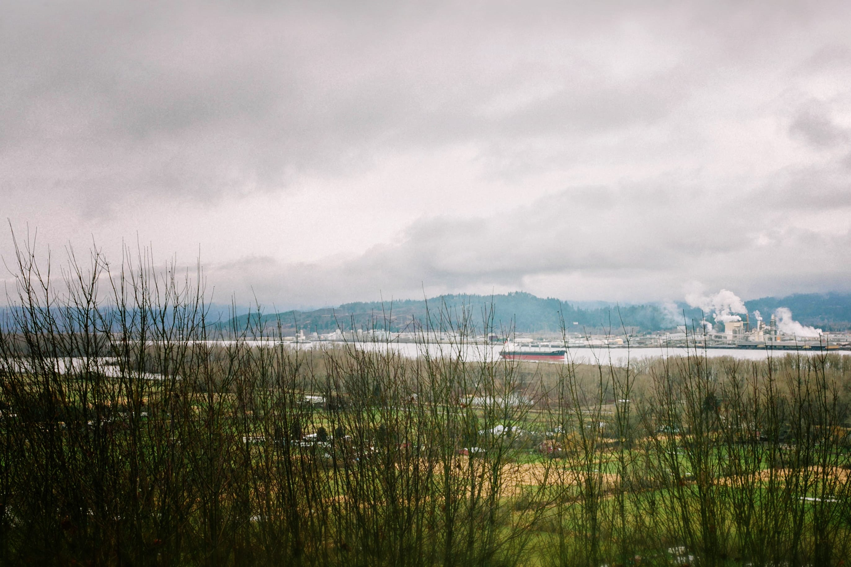 columbia river washington and oregon border