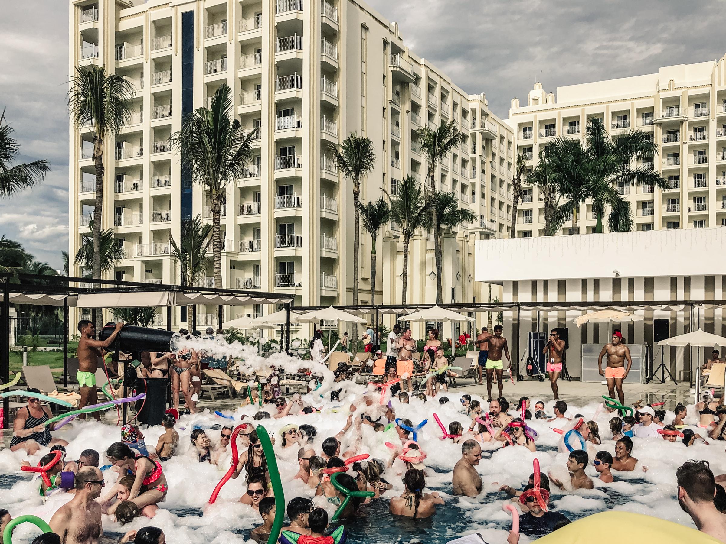 foam soap pool party in Mexica